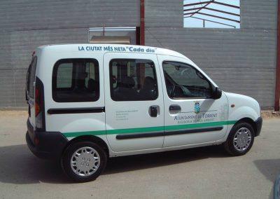 Rotulación de vehículos vinilo de corte (3)
