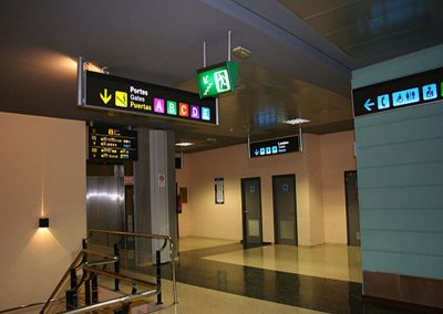 senaletica-luminosa-aeropuerto-estacion-tren