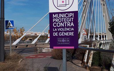 Señalización red de municipios contra la violencia de género: Ayuntamiento de Manises