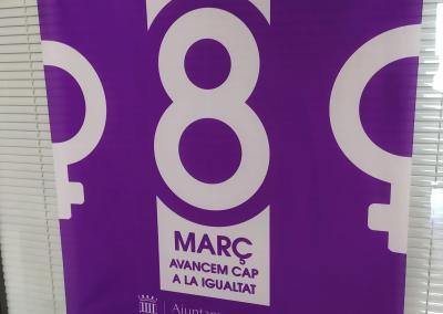 Banderas día internacional de la mujer: Ayuntamiento de Foios